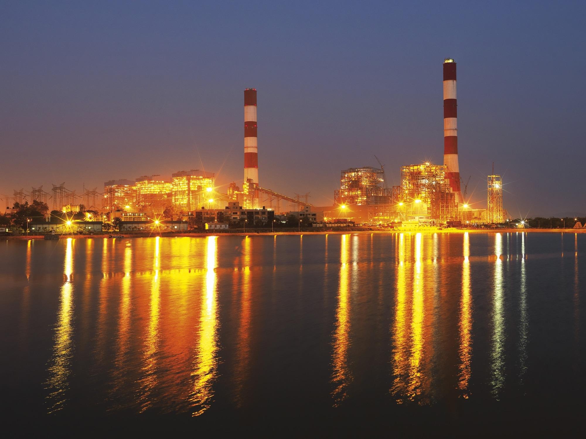 Fondo Refineria HD farcom Indusrtial